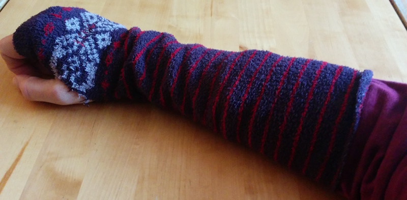 The finished article: fingerless gloves